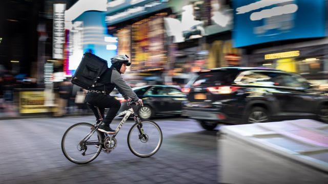 Fazer entregas de bike: como começar essa jornada
