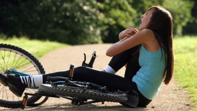 O que causa a dor no joelho ao pedalar?